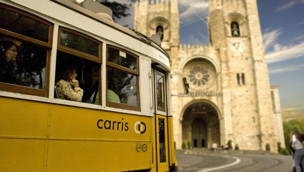 Tranvía y Catedral
