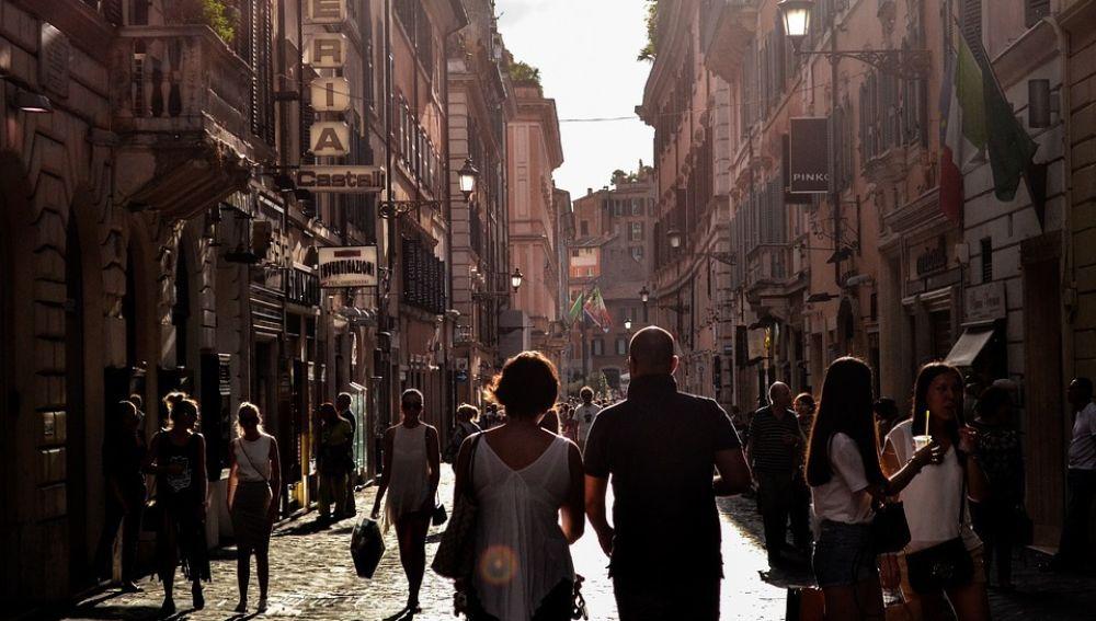 Ciudad llena de turistas