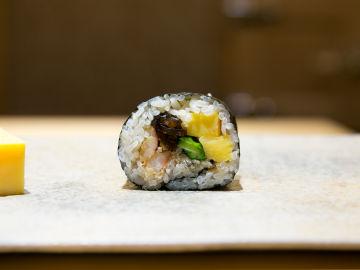Así es el mejor restaurante de sushi del mundo: cocina en directo y menos de 10 comensales