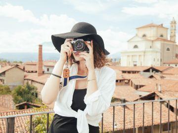 Turista haciendo fotos
